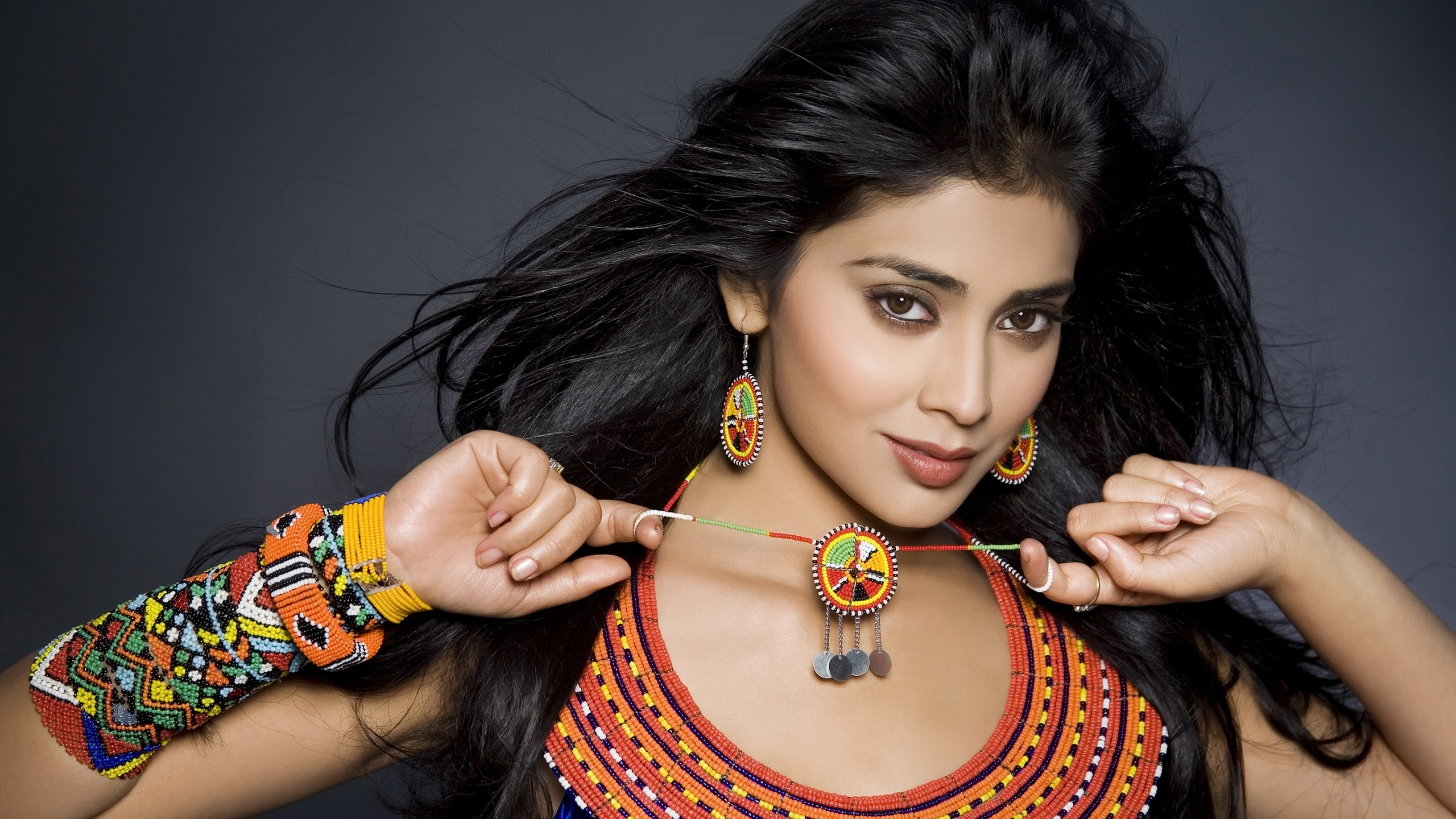 Shriya Saran HD wallpaper for download